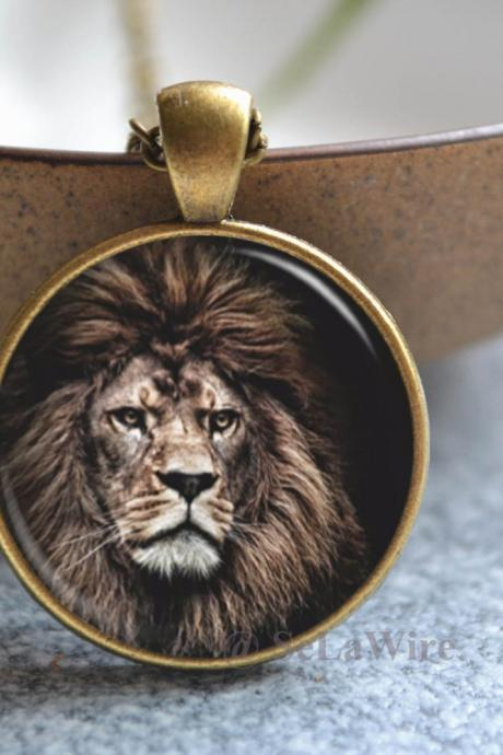 Lion Necklace - Lion King Picture Necklace - Animal Jewelry - Custom Photo Jewelry - Glass Dome Pendant Necklace / Pocket watch / Key