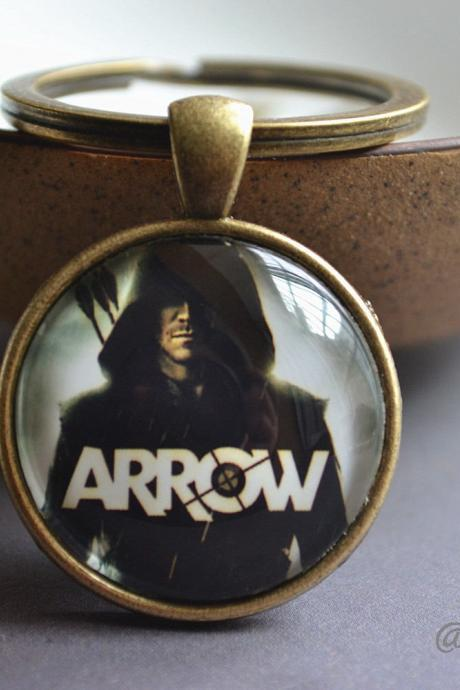 Arrow keychain - Green arrow picture key ring - Oliver Queen keychain - Glass Dome Pendant Necklace -Custom Photo Jewelry - Brass & Silver