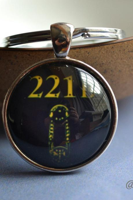 Sherlock Holmes 221B Keychain - Baker St. address Key Ring - Sherlocked Glass Dome Pendant Necklace -Custom Photo Jewelry - Brass & Silver