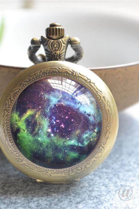Galaxy Pocket Watch, Nebula Space Galaxy Photo Quartz Watch Necklace Jewelry, Locket Watch Necklace,Quartz Watch Pendant Necklace/Keychain